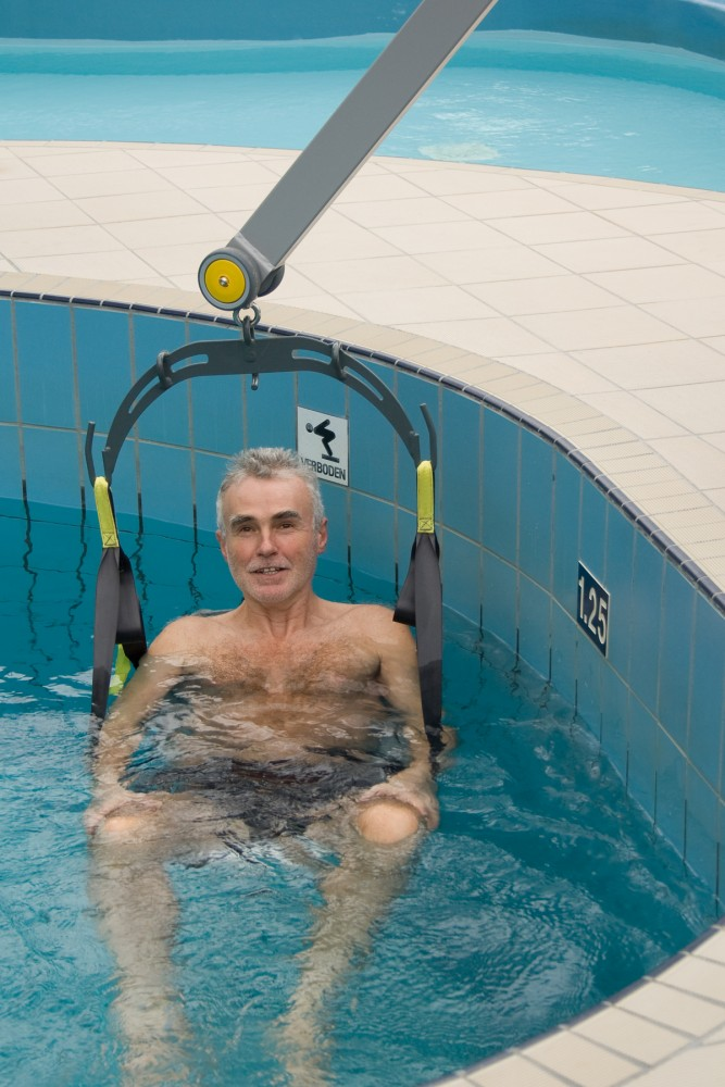 Classic spreader bar , Wheelchair-to-Water™ Pool Lift , Seat sling PVC